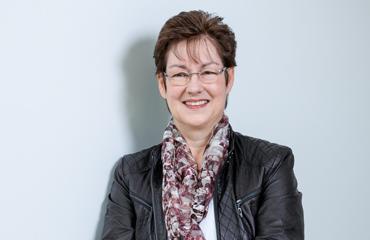 Cornelia Suether, Finanzen / Controlling